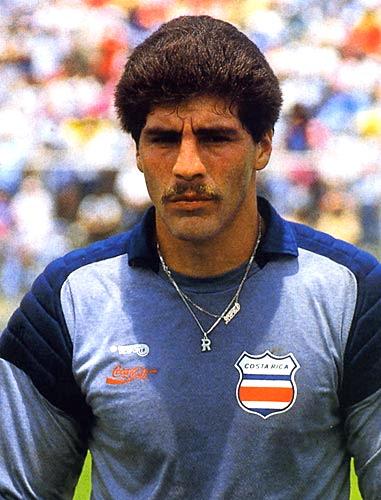 Costa Rica tuvo en Gabelo Conejo a un arquero de mucha seguridad, siendo brillante el papel que cumplió en Italia '90 (Foto: goool.cr)