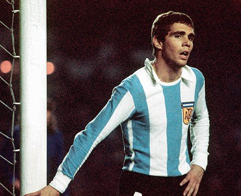 El fútbol argentino siempre apreció las cualidades en la defensa de Alberto Tarantini, lo que lo llevó a formar parte del equipo que conquistó la Copa del Mundo en el '78 (Foto: lequipe.fr)