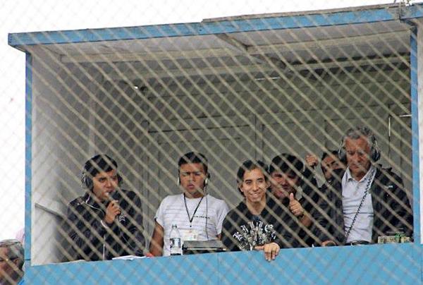 Una de las peculiaridades de Gooolazo es su cabina en el estadio Alberto Gallardo: tras ubicarse por años en solitario en la inhabilitada tribuna Sur, ahora está en Occidente pegada a Norte (Foto: Facebook)
