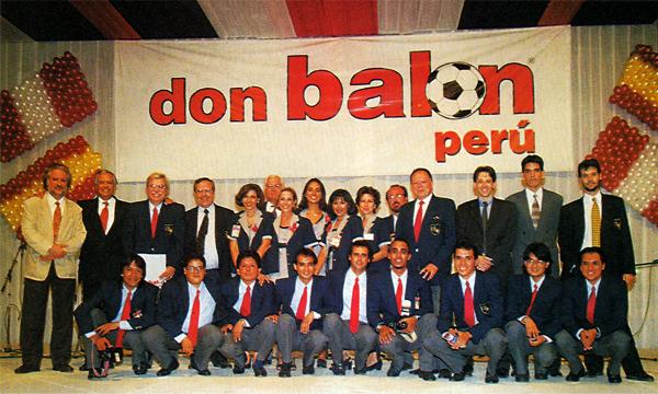 El equipo de Don Balón Perú -más algunos invitados- el día de la presentación de la revista en 1998 (Foto: Don Balón Perú)