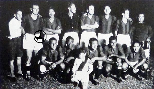 Para la historia: la selección peruana con la camiseta de San Lorenzo de Almagro antes del 2-2 ante Chile en 1937. (Foto: revista El Gráfico)