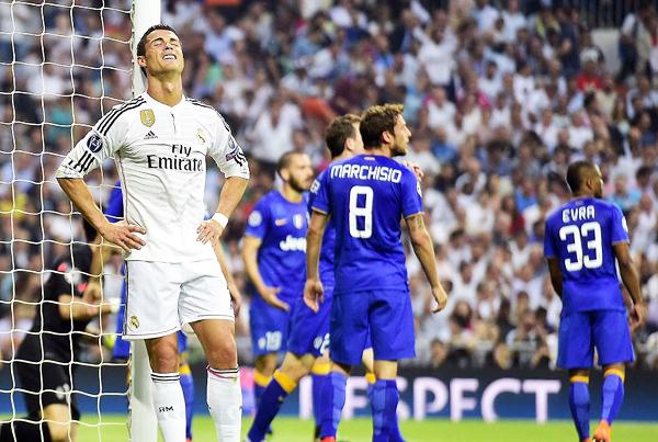 En el último enfrentamiento, Carlos Tévez le dio la alegría a la Juventus. ¿Cristiano Ronaldo podrá darle emociones distintas al Real Madrid esta vez? (Foto: AFP)