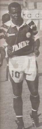 Con la camiseta de Sipesa, en 1993, acumuló más pifias que elogios (Foto: revista Estadio, N° 37 p. 57)