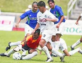 En 16 temporadas de carrera profesional, Gareca solo ha obtenido un título: con la camiseta del Comunicaciones de Guatemala, en 2002 (Foto: prensalibre.com)
