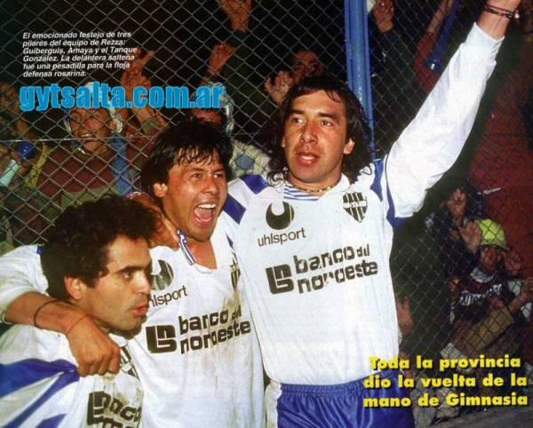 Celebrando el título del Nacional B con Gimnasia y Tiro en la campaña de 1992-1993 (Foto: gytsalta.com.ar)