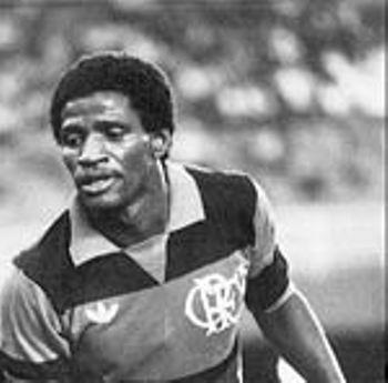 Adilio había acumulado fama con chompa del Flamengo antes de venir a Alianza (Foto: gazetaesportiva.net)