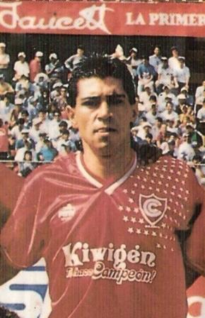 Con sedas de Cienciano en 1992, el mejor año de su carrera (Foto: revista Estadio)