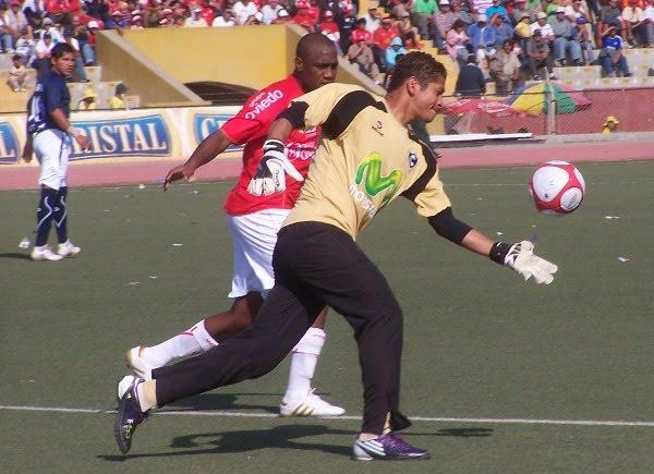 Con 3870 minutos, el colombiano Walter Noriega se convirtió en el extranjero con más participación en todo el torneo (Foto: diario La Industria de Chiclayo)