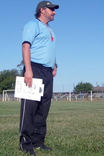 Tras dejar el fútbol, Machaín se dedicó a la dirección técnica. No obstante, actualmente es Coordinador General de las categorías juveniles de Danubio (Foto: rojos.com)
