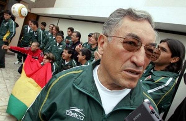 En épocas más recientes, Ramiro Blacut fue técnico de la selección boliviana. Es el técnico que más veces se enfundó el buzo altiplánico (Foto: AFP)