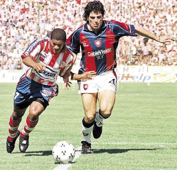Unión de Santa Fe fue un destino conocido para Noriega que tuvo dos etapas complicadas para sobresalir en el fútbol argentino (Foto: ellitoral.com)