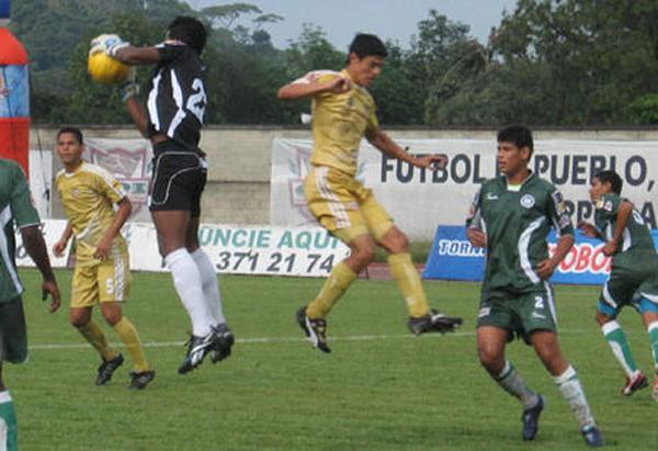 Con Itagüí, su último equipo antes del retiro y de comenzar su carrera como director técnico (Foto: torneopostobon.com)