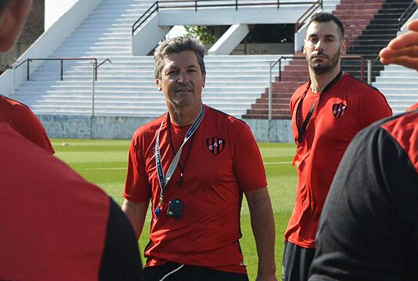 Mario Sciacqua es actualmente DT de Patronato. (Foto: Prensa Patronato)