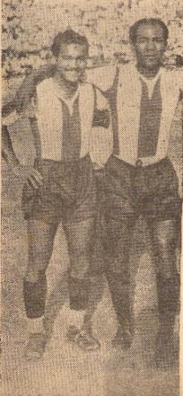 Con otro gran centro-half de la época: Germán Colunga, quien fue figura en Universitario pero también supo reforzar a Alianza (Foto: revista Sport)