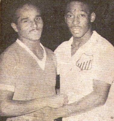 Dos grandes juntos: 'Huaki' y Pelé (Foto: revista Ovación)