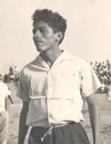 La estampa del ídolo en sus tiempos mozos, sobre el césped del campo de Miraflores (Foto: página Regimiento Albo)