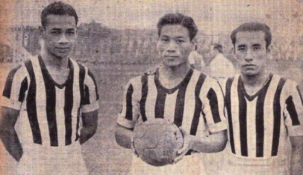 El 'Chino' Manuel Rivera (al centro) también jugó en Ciclista Lima. Lo hizo entre 1942 y 1949 (Recorte: revista Equipo)