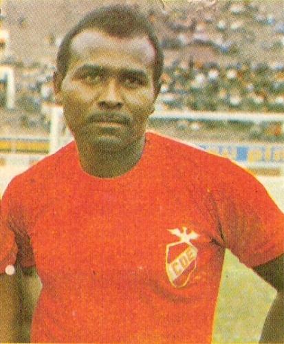 En Espinosa, en su último año como profesional. (Cromo: álbum Ídolos, Importadores Peruanos)
