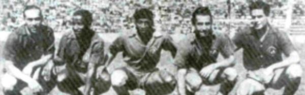 La imagen corresonde a 1950, año en que Julio Apricio -en el centro- se consagró campeón con los Tiburones Rojos de Veracruz (Foto: tiburones-rojos.com)