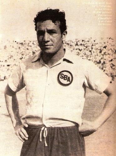'Lolín' Fernández fue un gran refuerzo de Sport Boys, entonces campeón, para la temporada de 1952. (Foto: revista Ovación)