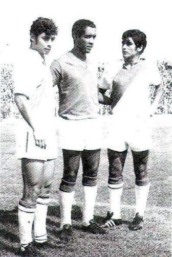 No solo con Universitario es que Castañeda regresó a Chiclayo, con los colores de la selección también tuvo esa oportunidad con motivo de un amistoso entre Aurich y el equipo que disputó el Mundial de 1970 (Recorte: libro 'El Auriche sopla como un Ciclón', Óscar Cortez Mendívez)