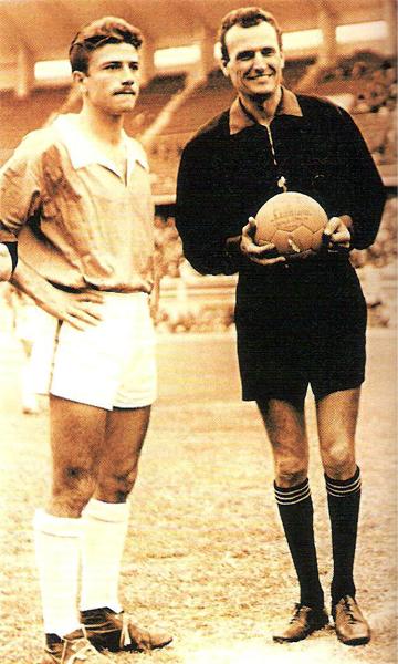 Alberto del Solar como capitán del equipo del Rímac (Foto: libro 'Club Sporting Cristal: 50 años de historia celeste')