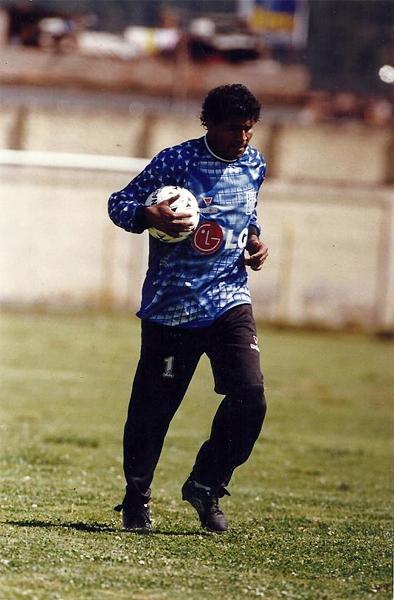 Acabó su carrera en Alianza en 1999, aunque no llegó a jugar ningún partido en esa temporada. (Foto: Facebook)