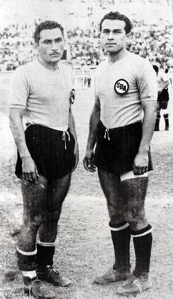 Los hermanos Agurto, Enrique y Diego, con la camiseta rosada del Sport Boys (Foto: libro '¡Vamos Boys!', Teodoro Salazar Canaval)