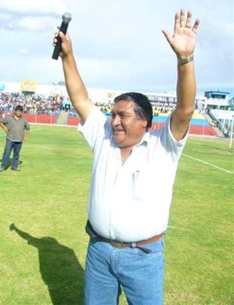 Rofilio Neyra, otro magnate local en ciernes, al frente del Inti Gas Deportes (Foto: intigasdeportes.blogspot.com)