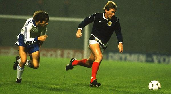 ¿Se imaginan a Kenny Dalgish haciendo dupla con Kevin Keegan? Definitivamente, una artillería ofensiva de lujo (Foto: BBC)