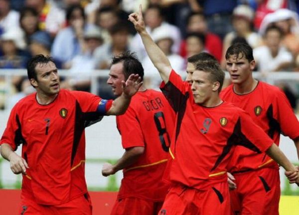 Wesley Sonck anotó un gol en el Mundial Corea-Japón 2002 frente a Rusia. (Foto: AFP)