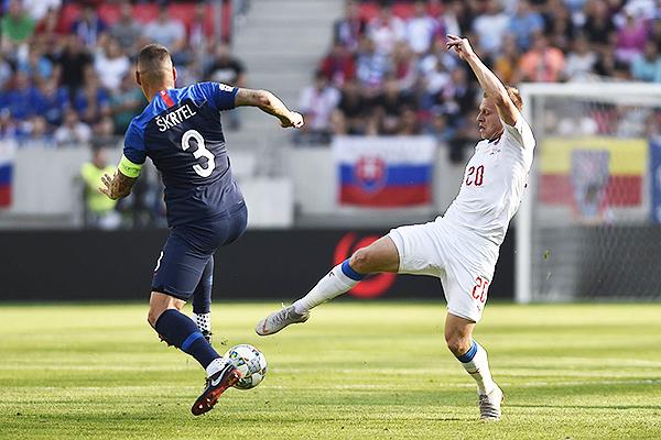 República Checa y Eslovaquia se enfrentaron en la última Nations League. (Foto: AFP)