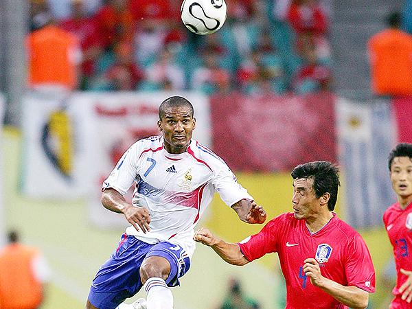 Aunque ahora juega en ligas recónditas, Florent Malouda disputó incluso el Mundial con Francia. (Foto: Getty Images)