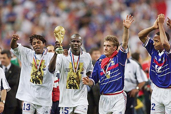 Christian Karembeu y Lilian Thuram ganaron la Copa del Mundo en 1998. (Foto: Getty Images)