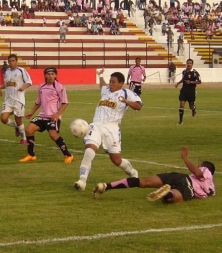 César Doy alterna como central y lateral en Alianza Atlético (Foto: Abelardo Delgado / DeChalaca.com)