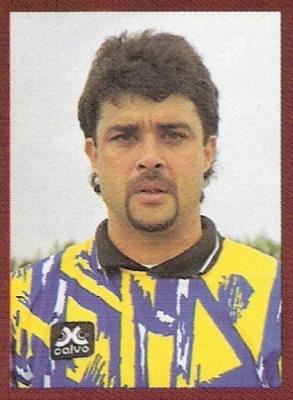 Alejandro Espinosa tuvo un paso prolongado por el fútbol italiano y volvió al Perú para vivir sus mejores momentos en Pesquero (Foto: revista Don Balón Perú)