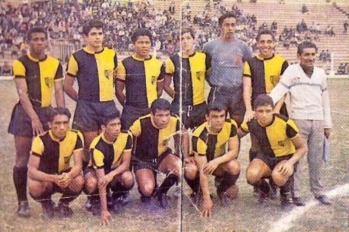 KDT Nacional, otro club chalaco que despertó simpatías sesenteras. (Foto: álbum Ídolos, Importadores Peruanos)