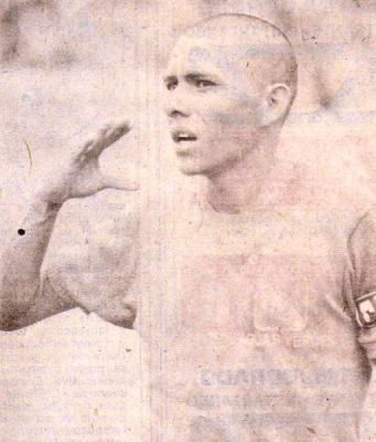 Estampa de 'Chimbote' Carlos Mendoza, gran figura de Comercial Aguas Verdes en la Copa Perú de 1979. (Foto: revista Ovación)