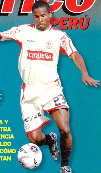 Jugador de muchas camisetas pero pocos goles, Álex Magallanes casi siempre pudo dejar el sello de su fútbol quimboso en los equipos que defendió (Recorte: revista El Gráfico Perú)