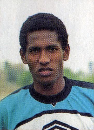 Martín Alva cuando formó parte del Lawn Tennis en 1998 (Recorte: revista Don Balón Perú)