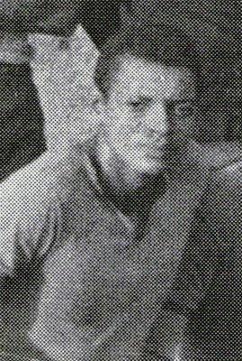 'Leo' Rojas en sus inicios con Sport Boys destacó por su velocidad por el flanco derecho del ataque rosado (Recorte: libro '¡Vamos Boys!', Teodoro Salazar Canaval)