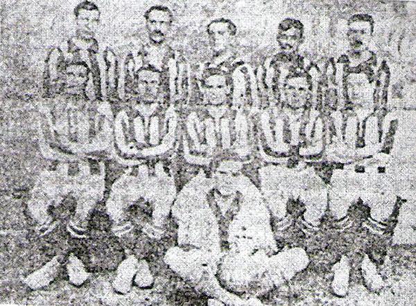 El campeón de 1918, Atlético Chalaco, en una clásica postal de entonces (Foto: libro 'Atlético Chalaco - Libro del Centenario', Eugenio Hernández Carreño)