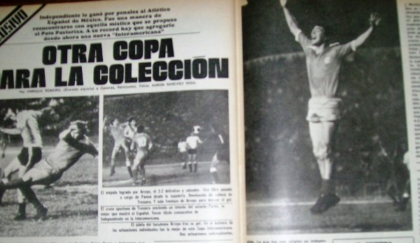 Independiente levanta su tercera Interamericana en 1976 a la par de la Libertadores. (Recorte: Revista El Gráfico)