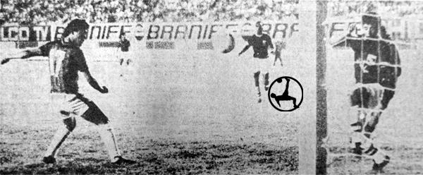 Gol de Bailetti para asegurar el triunfo en el debut de Defensor (Recorte: diario El Comercio)