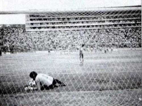 Chamagua ataja el penal decisivo y le da el primer título de su historia a Firpo (Recorte: laprensagrafica.com.sv)