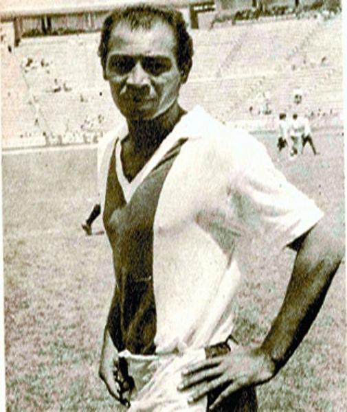 Su llegada al desaparecido Club Laguna fue vital para salvar la categoría en la temporada 1972-1973 (Foto: mundosoccer.com)