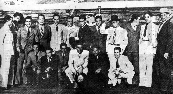En el Sudamericano de 1941 Socarraz también se hizo presente como parte del selecionado peruano que aquí aparece en pleno viaje rumbo a Chile (Recorte: revista Ovación)