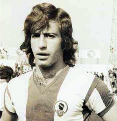 Aicart, ya sin bigote, con camiseta del Hércules. (Foto: diarioinformacion.com)