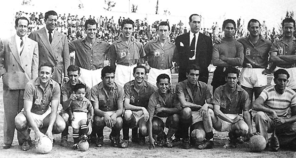 El equipo de León que se consagró campeón de 1947/48 tras vencer al Oro en partido extra. (Foto: unionguanajuato.mx)