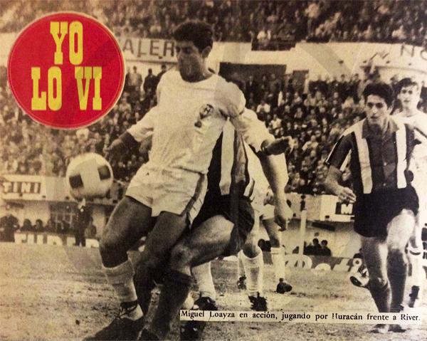 Dominando el balón frente a River Plate, otro de los equipos en los que Loayza exhibió su fútbol (Recorte: revista Ovación)